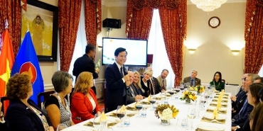 Working dinner between Ambassador Ha Kim Ngoc and the ASTA Leaders